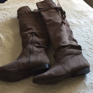 Knee high Taupe Sueded Boots 10